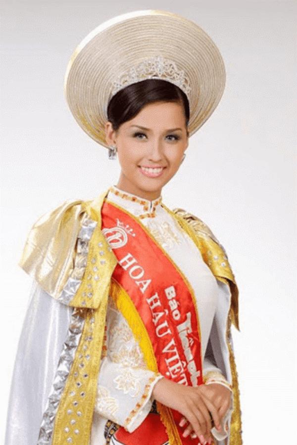 Mai Phương Thúy thời điểm đăng quang hoa hậu Việt Nam năm 2010